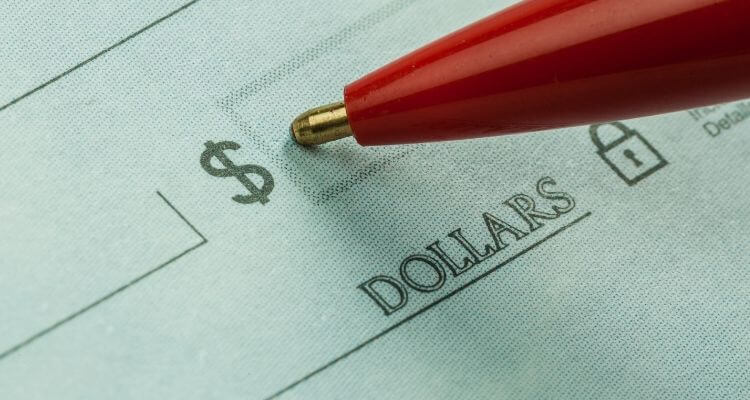 Nurse Compensation: Comparing Salary vs Hourly Wage