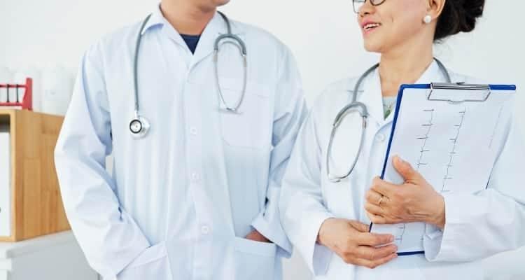 best lab coat for nurse practitioner
