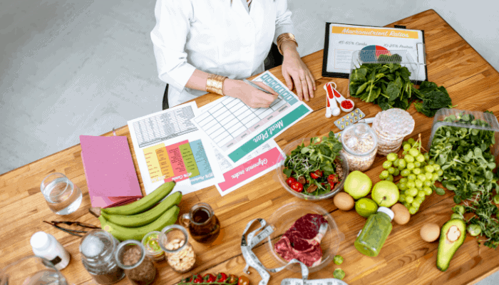 registered dietitian writing a report